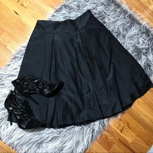 Banana Republic Black Silk Blend Skirt Size 4